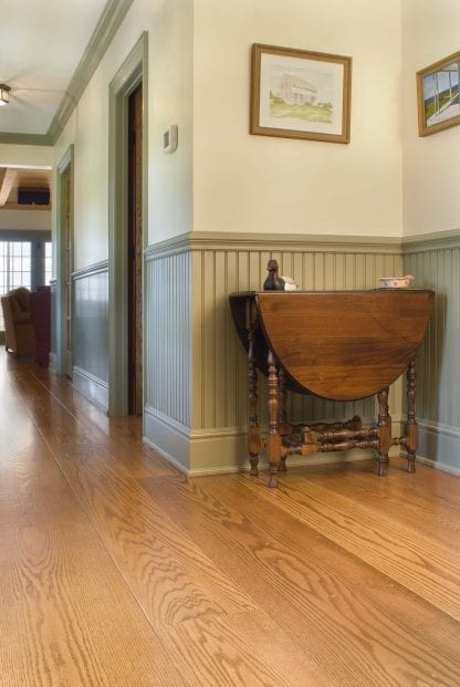 Red Oak plainsawn select grade wood flooring.