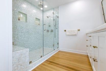 quarter rift sawn white oak bathroom floor