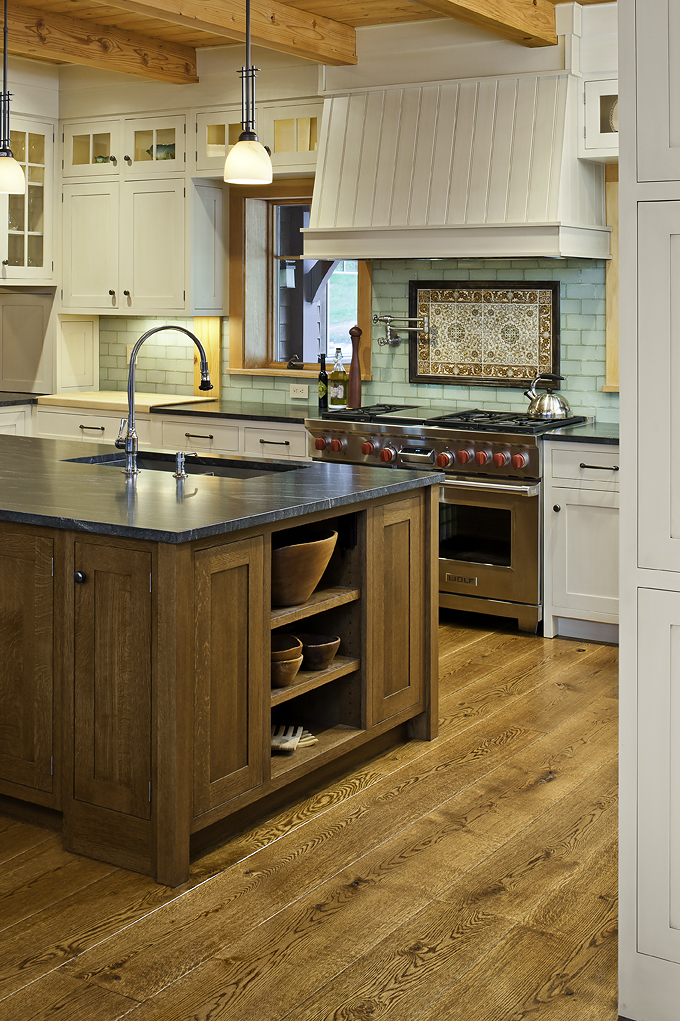 Why wide plank wood floors are a good choice for your kitchen