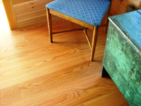 Figure 3: Red Oak in the select grade with a clear oil based poly finish.